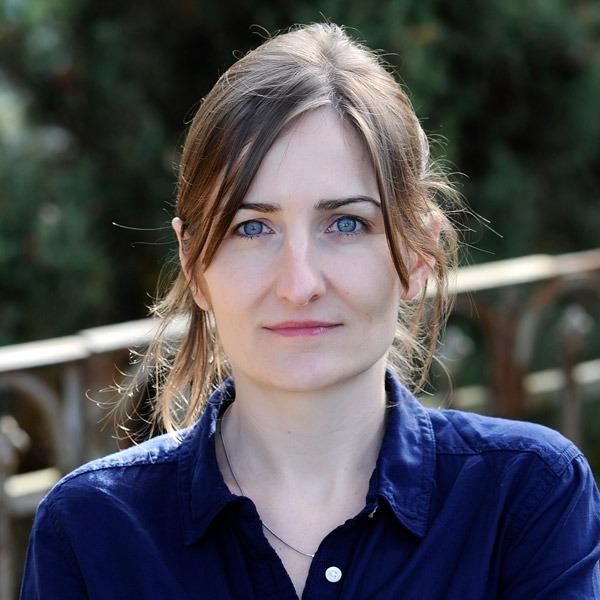 Portrait von Anja Fliege, Bildredaktorin bei der Zeitlupe.