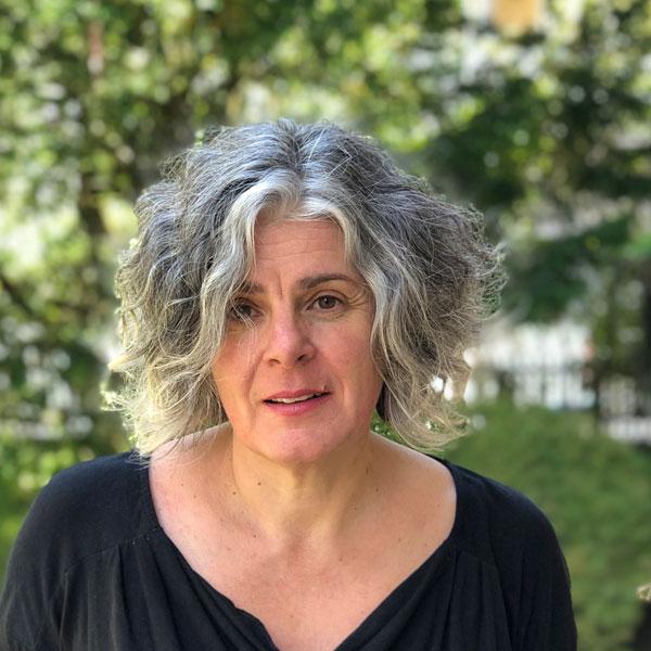 Portrait von Patrizia Cofano, Leiterin des Zeitlupe-Sekretariats.