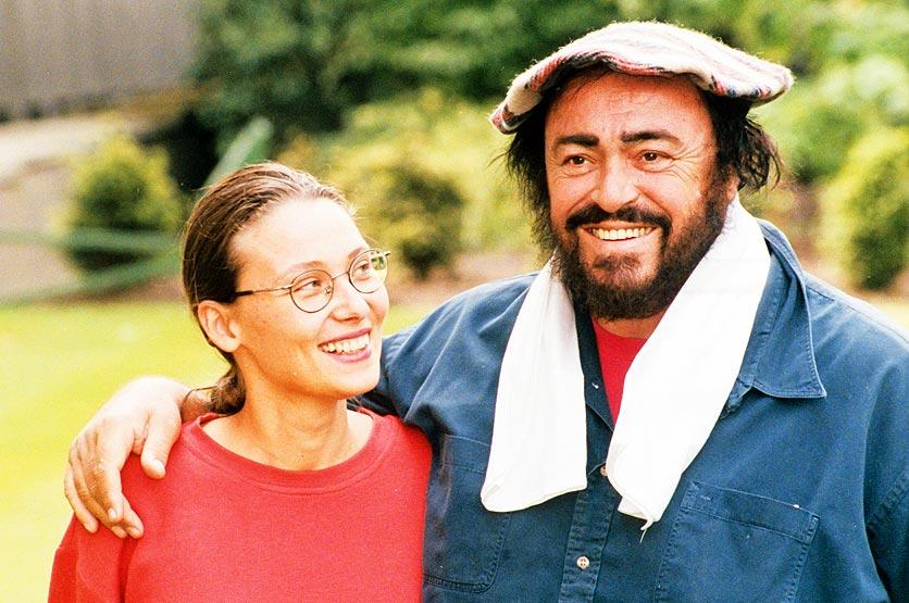 Ein Foto zeigt die frisch verliebten Nicoletta Mantovani und Luciano Pavarotti. © Decca