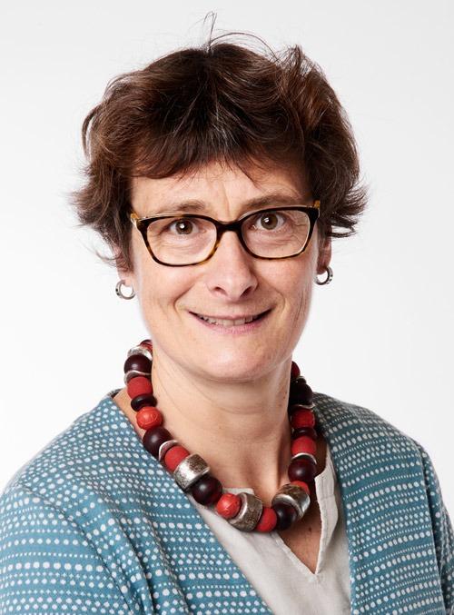 Portrait von Sonya Kuchen, Mitglied der Geschäftsleitung von Pro Senectute Schweiz.