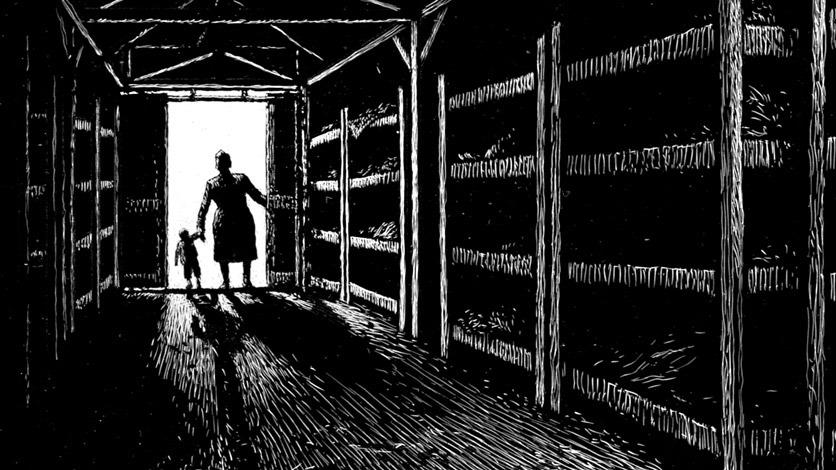 Schwarzweissbild: Baracke in einem KZ, Mutter und Kind stehen in der Tür.