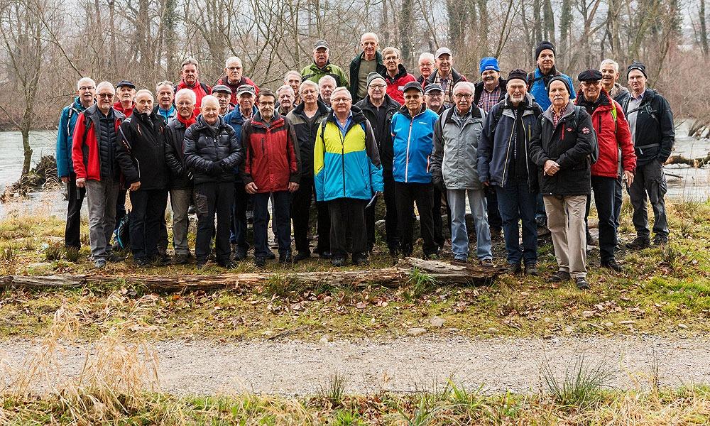 Die Seniorenvereinigung Schöftland und Umgebung auf einem Ausflug im Jahr 2018, begleitet von der Zeitlupe.