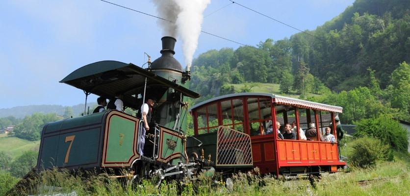 Fahrt mit dem Nostalgiezug auf die Rigi - Zeitlupe Auktion.