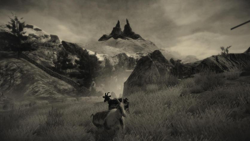 Düstere Berglandschaft mit Ziegen im Vordergrund. Bleistiftgezeichnet. Zeitlupe