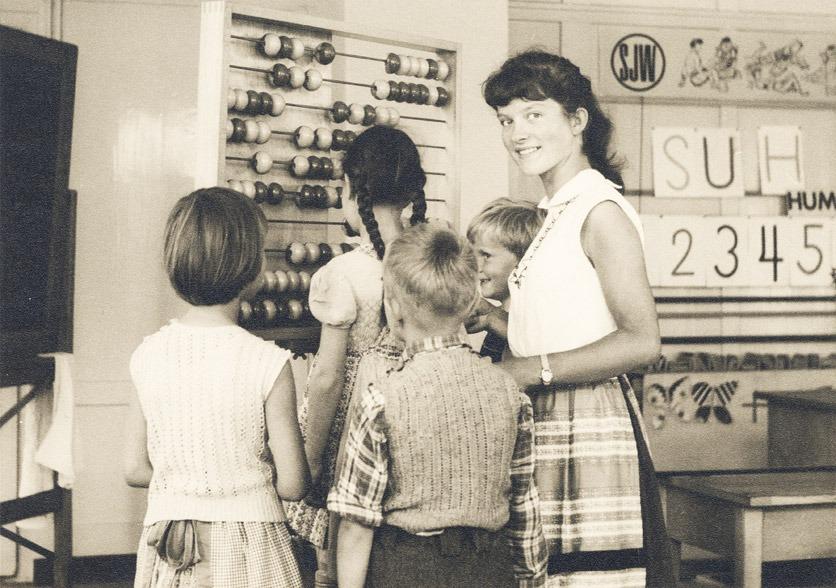 Ursula Michel-Eggimann als 19jährige Lehrerin auf dem Foto von 1958.